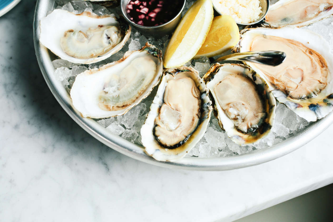 Charleston sc 39 s best seafood restaurants seafood guide for Fish and seafood