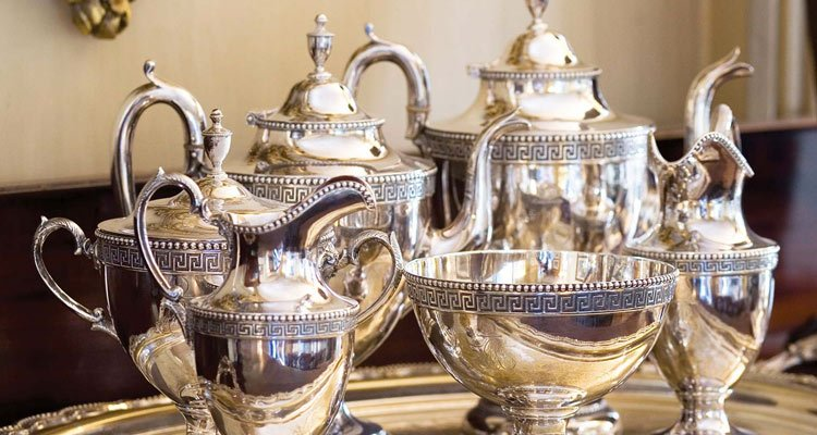 A Look At And Antiques Online