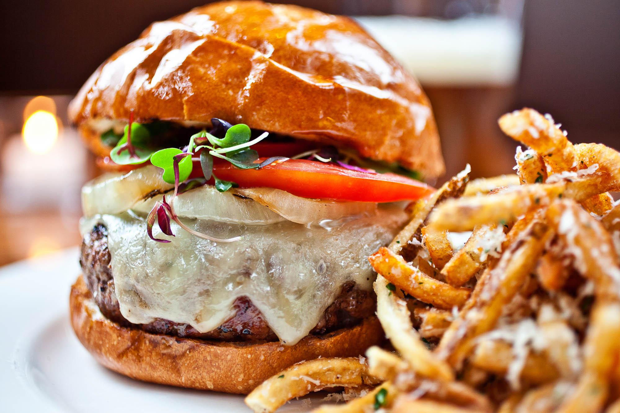 Charleston's Cheeseburger Hotspots - Charlestonly